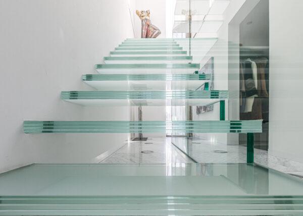 Glazen trap villa Twente - Van derJeugd Architecten door www.linesareeverywhere.com