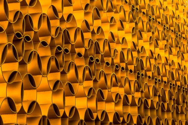 "Abstract fotokunstwerk 'Gold SIlence van de serie 'LINES OF SILENCE"" van fotografe Nicole Tanke van www.linesareeveryhere.com"